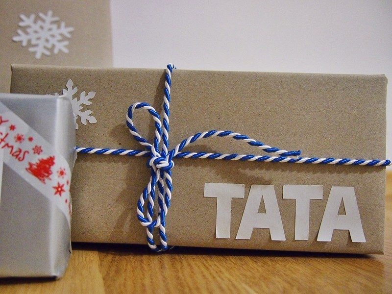 jak ładnie spakować prezenty na święta