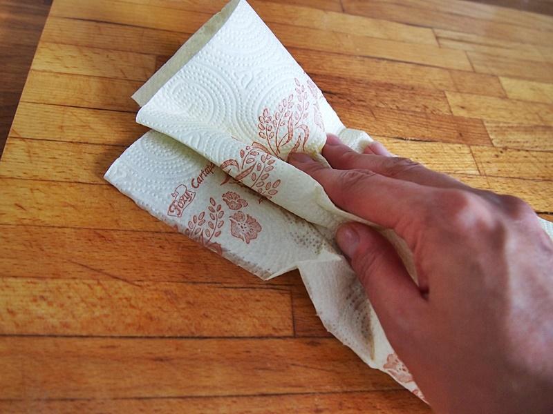 jak dbać o drewnianą deskę do krojenia