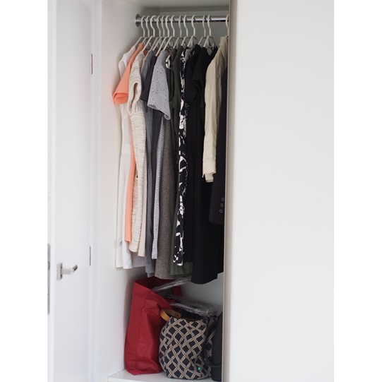 jak uporządkować szafę